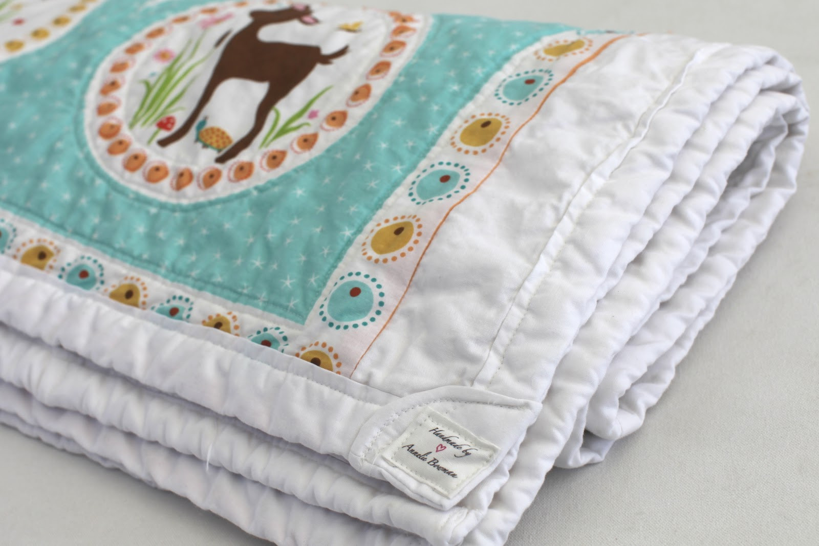 """Best ideas about DIY Baby Blanket . Save or Pin Oh THAT Annelie DIY Project """"Quicky"""" Yard Panel Baby Now."""