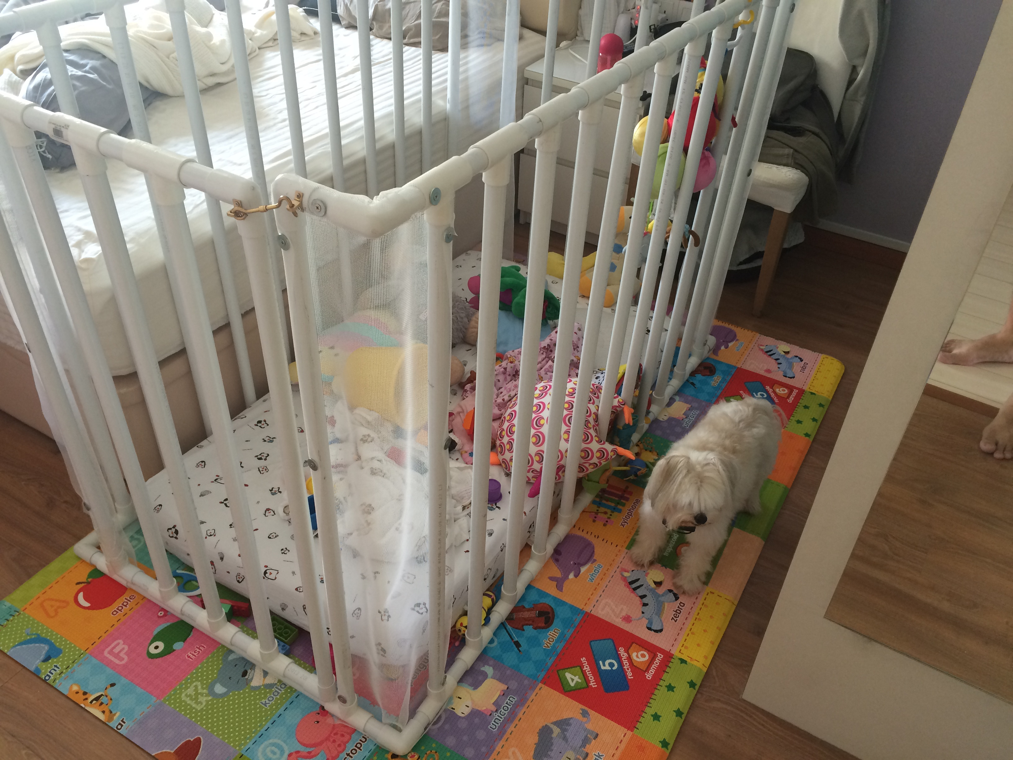 Best ideas about DIY Baby Playpen . Save or Pin DIY Playard baby's bed Now.
