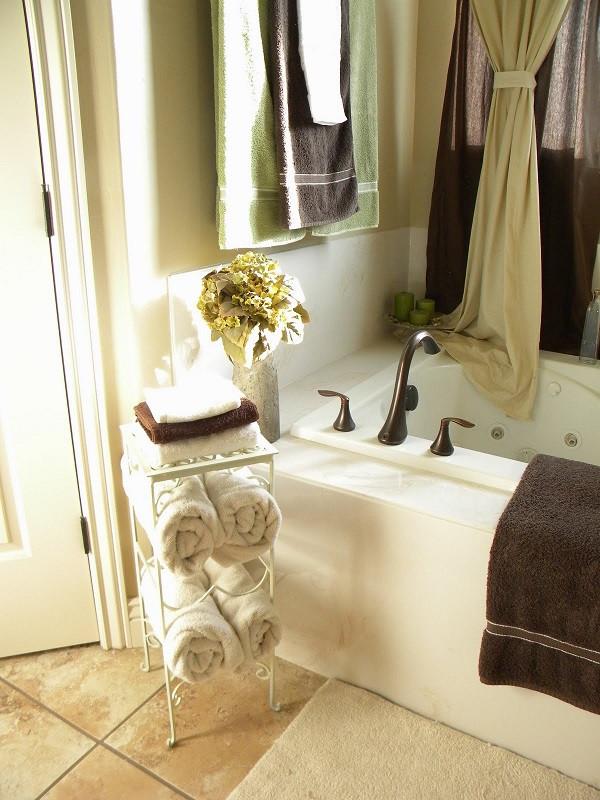 Best ideas about DIY Bathroom Towel Rack . Save or Pin DIY Towel Racks For a Chic Bathroom Update Now.
