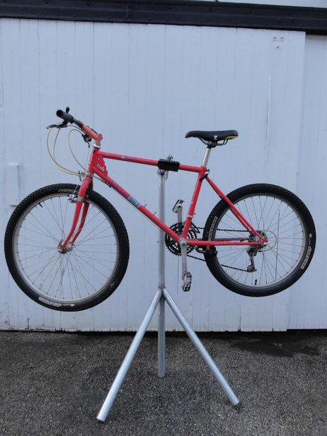 Best ideas about DIY Bike Repair Stand . Save or Pin Homemade bike repair stand Now.