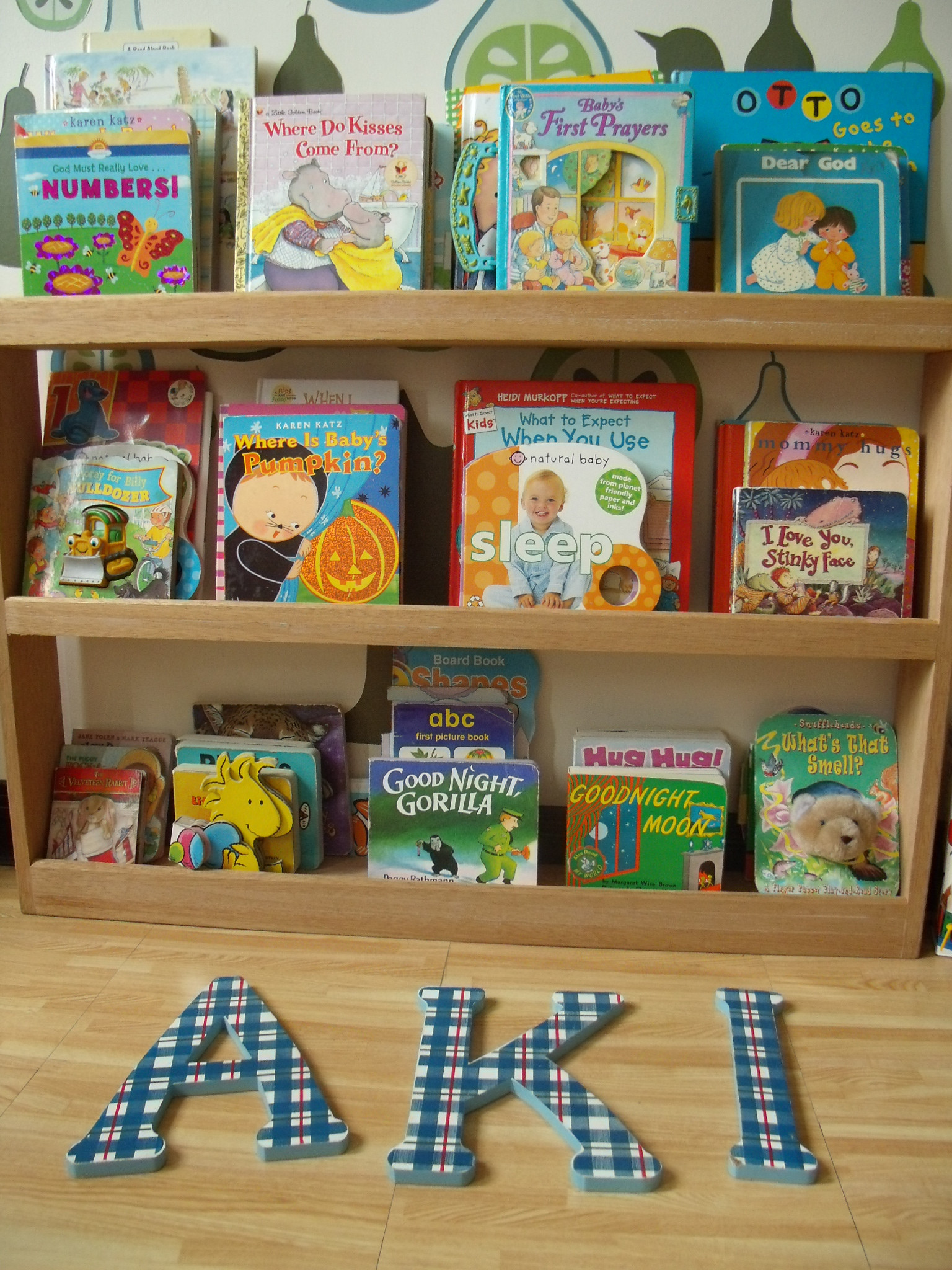 Best ideas about DIY Bookshelves For Kids . Save or Pin Diy Bookshelves For Kids Now.