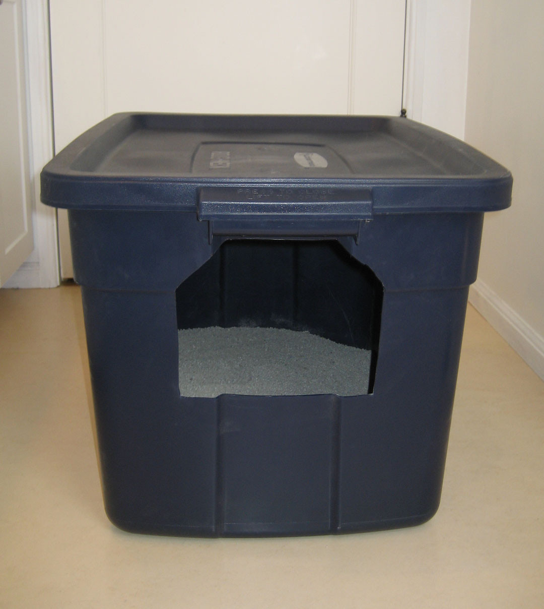Best ideas about DIY Cat Litter Boxes . Save or Pin DIY Make Your Own Cat Litter Box – Pet Project Now.
