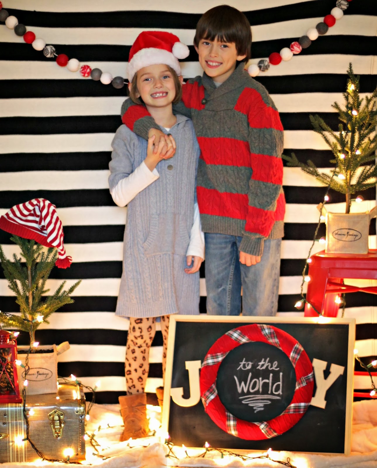 Best ideas about DIY Christmas Photo Booth . Save or Pin easy christmas photo backdrop Now.