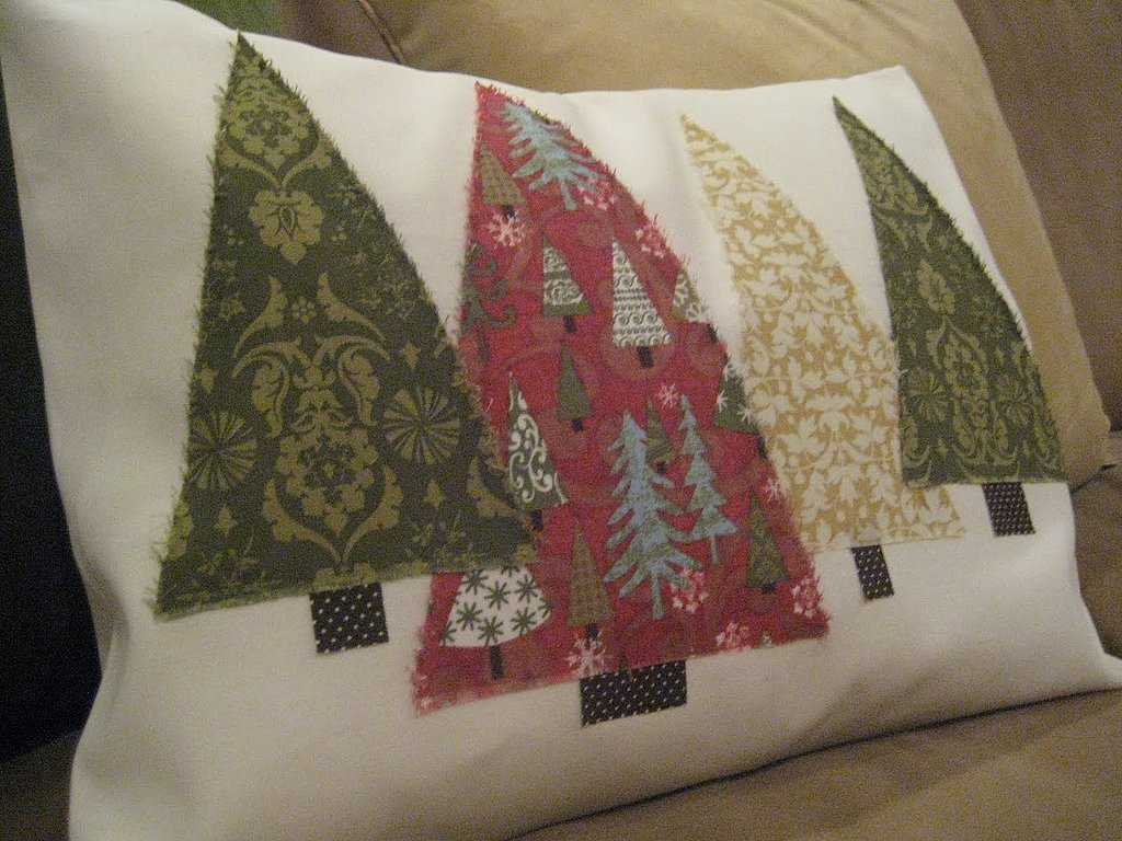 Best ideas about DIY Christmas Pillow . Save or Pin DIY Christmas Tree Pillow Now.