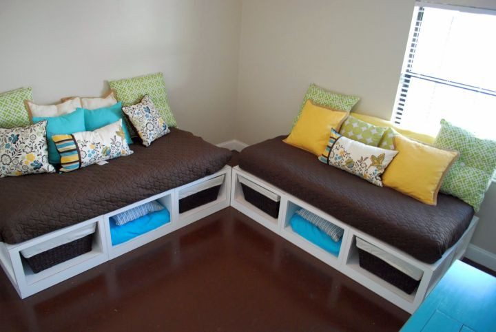 Best ideas about DIY Daybed Plans . Save or Pin 17 Easy Ideas on How to Make a Daybed Now.