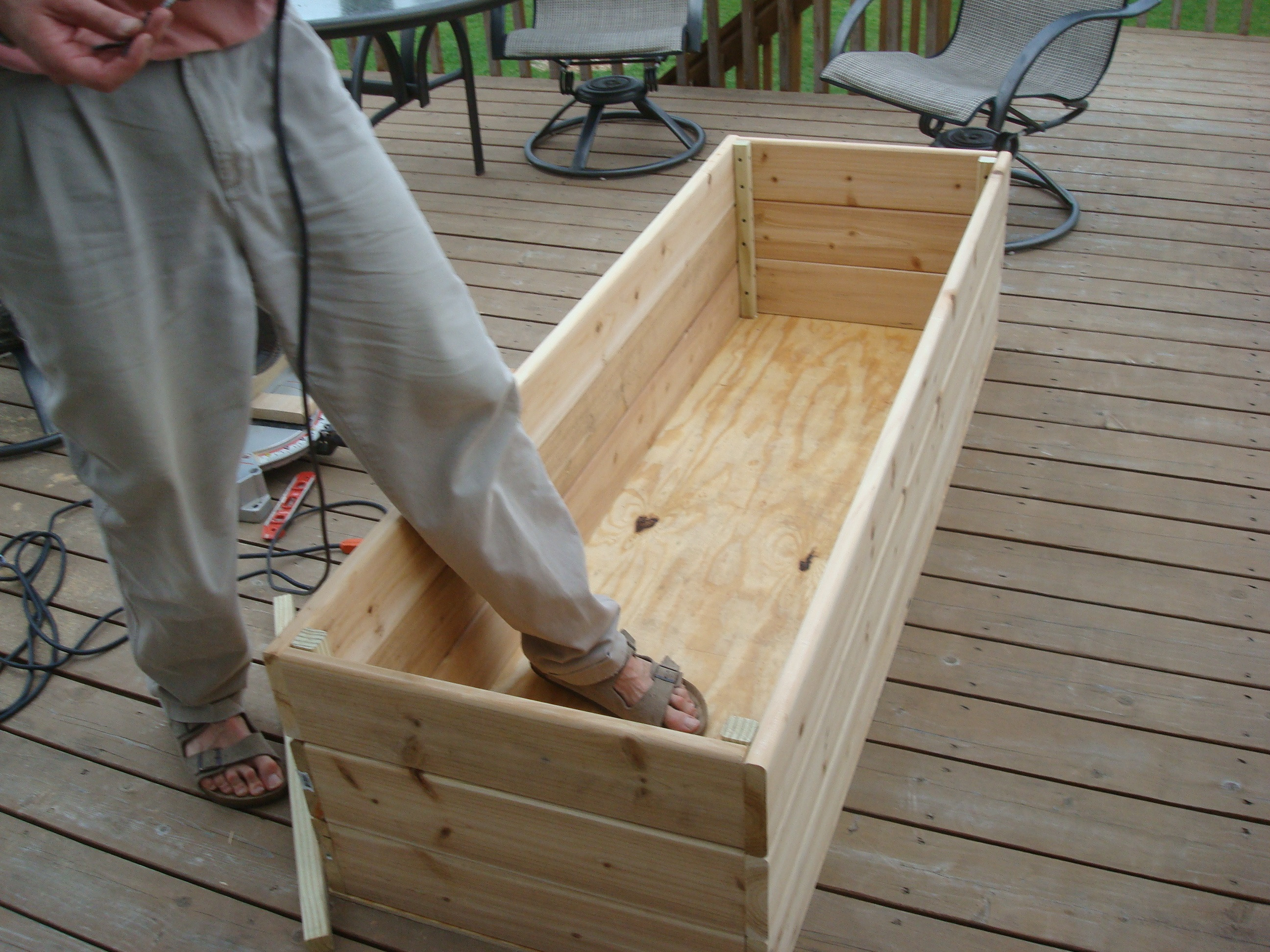 Best ideas about DIY Deck Box . Save or Pin Ve able Garden on the Deck You Bet Now.