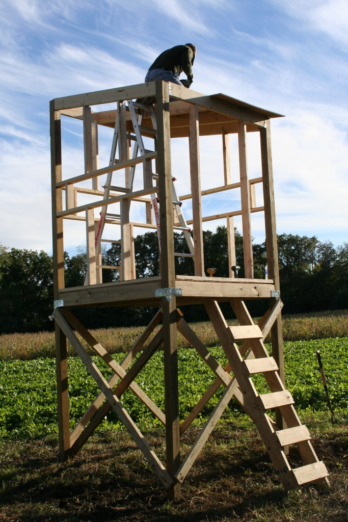 Best ideas about DIY Deer Stand Plans . Save or Pin DIY Hunting Blind DIY Done Right Now.