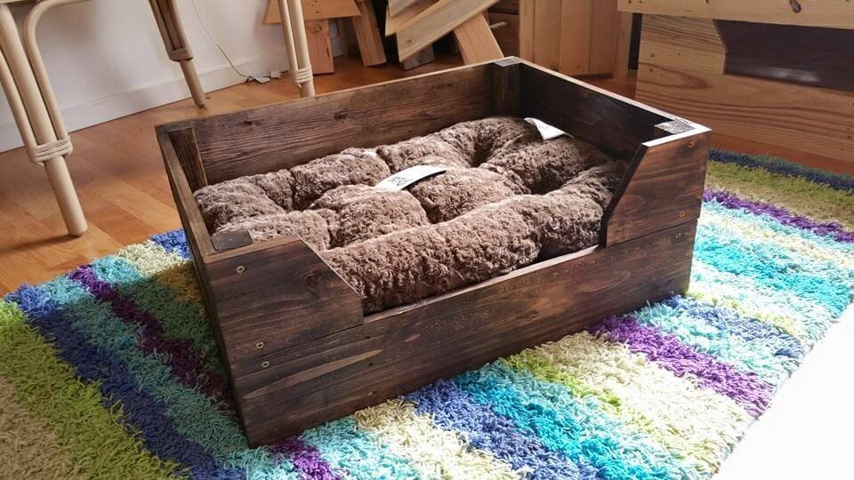 Best ideas about DIY Dog Bed Pallet . Save or Pin Easy to Make Pallet Dog Bed Now.