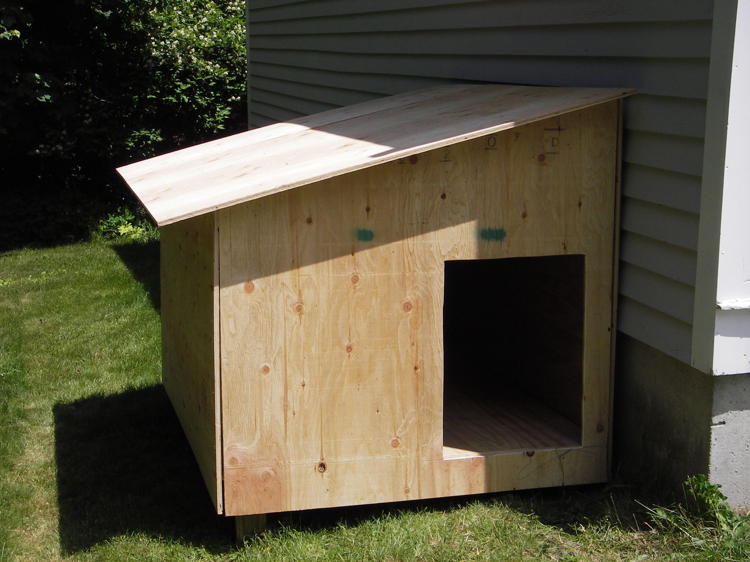 Best ideas about DIY Dog House Plans . Save or Pin Claypool Dog House Now.