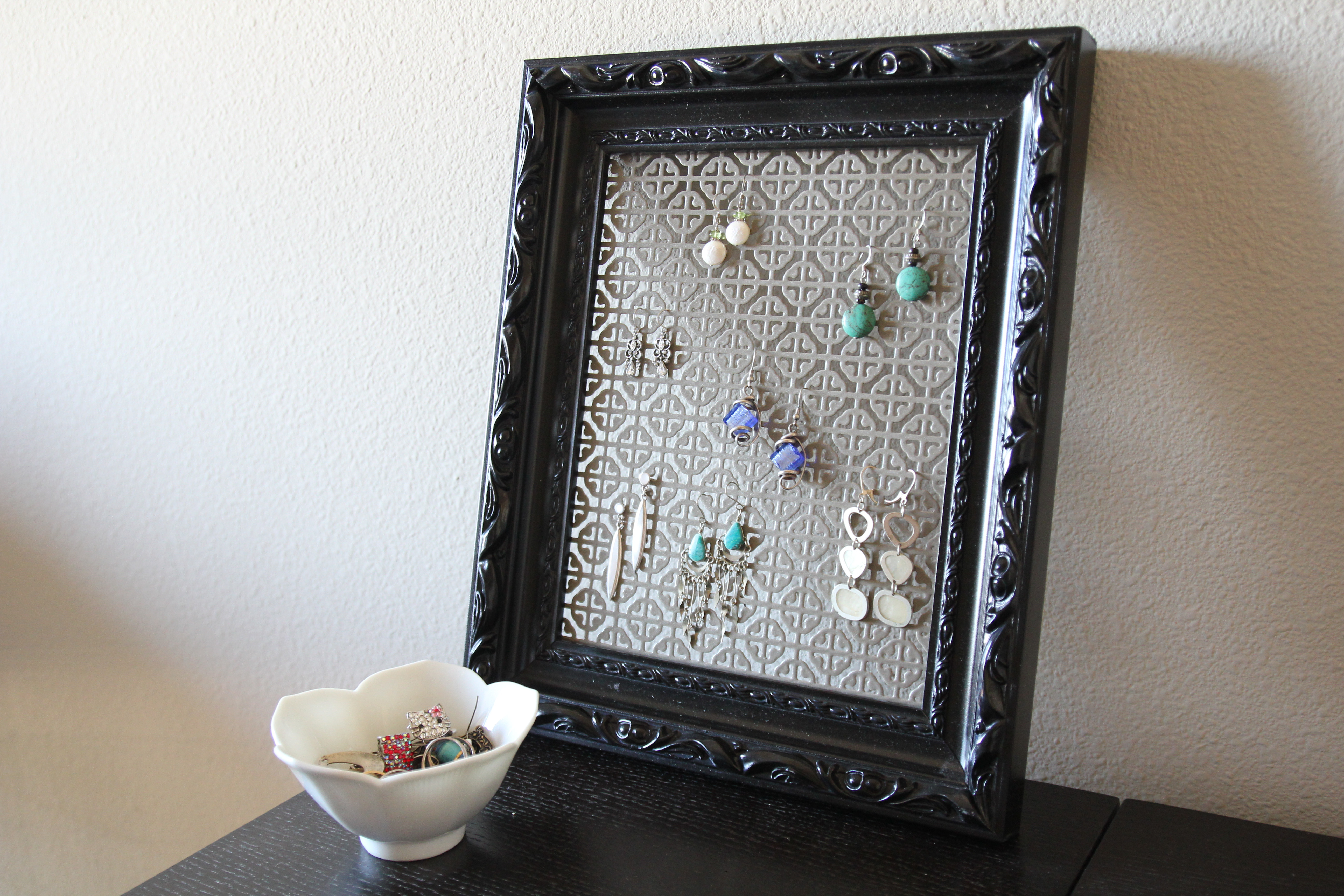 Best ideas about DIY Earring Storage . Save or Pin DIY Earring holder Now.