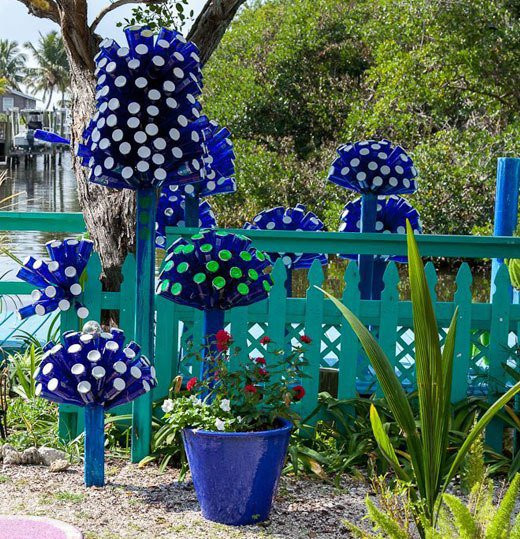 Best ideas about DIY Garden Decor . Save or Pin 15 Terrific DIY Glass Bottle Yard Decor That Will Impress Now.