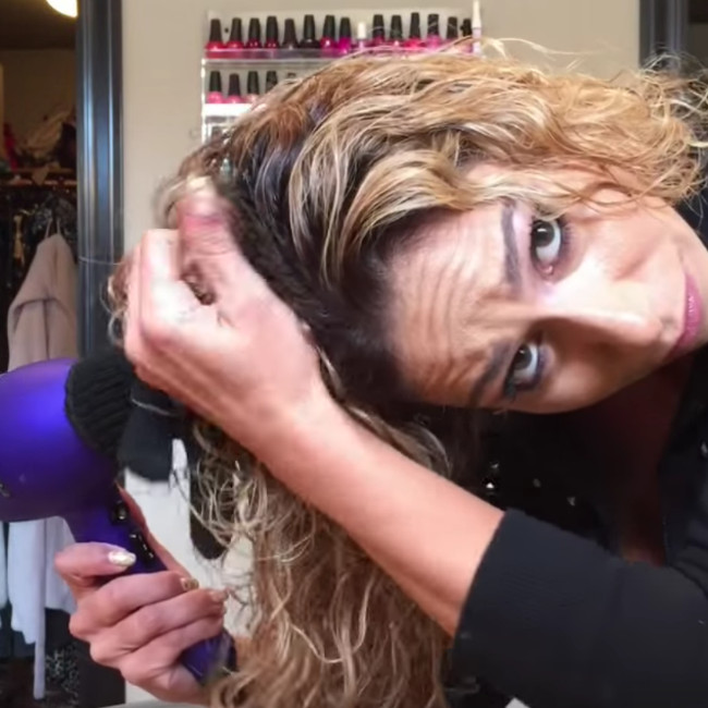 Best ideas about DIY Hair Dryer Diffuser . Save or Pin Does This Hair Drying Hack REALLY Work Now.
