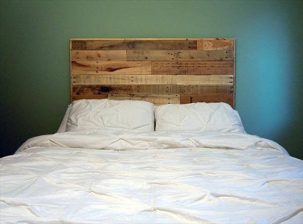 Best ideas about DIY Headboards For Queen Beds . Save or Pin DIY Queen Size Pallet Headboard Now.