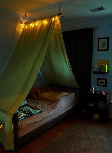 Best ideas about DIY Kids Bed Canopy . Save or Pin DIY Tent over the bed this is cool Like the light gotta Now.