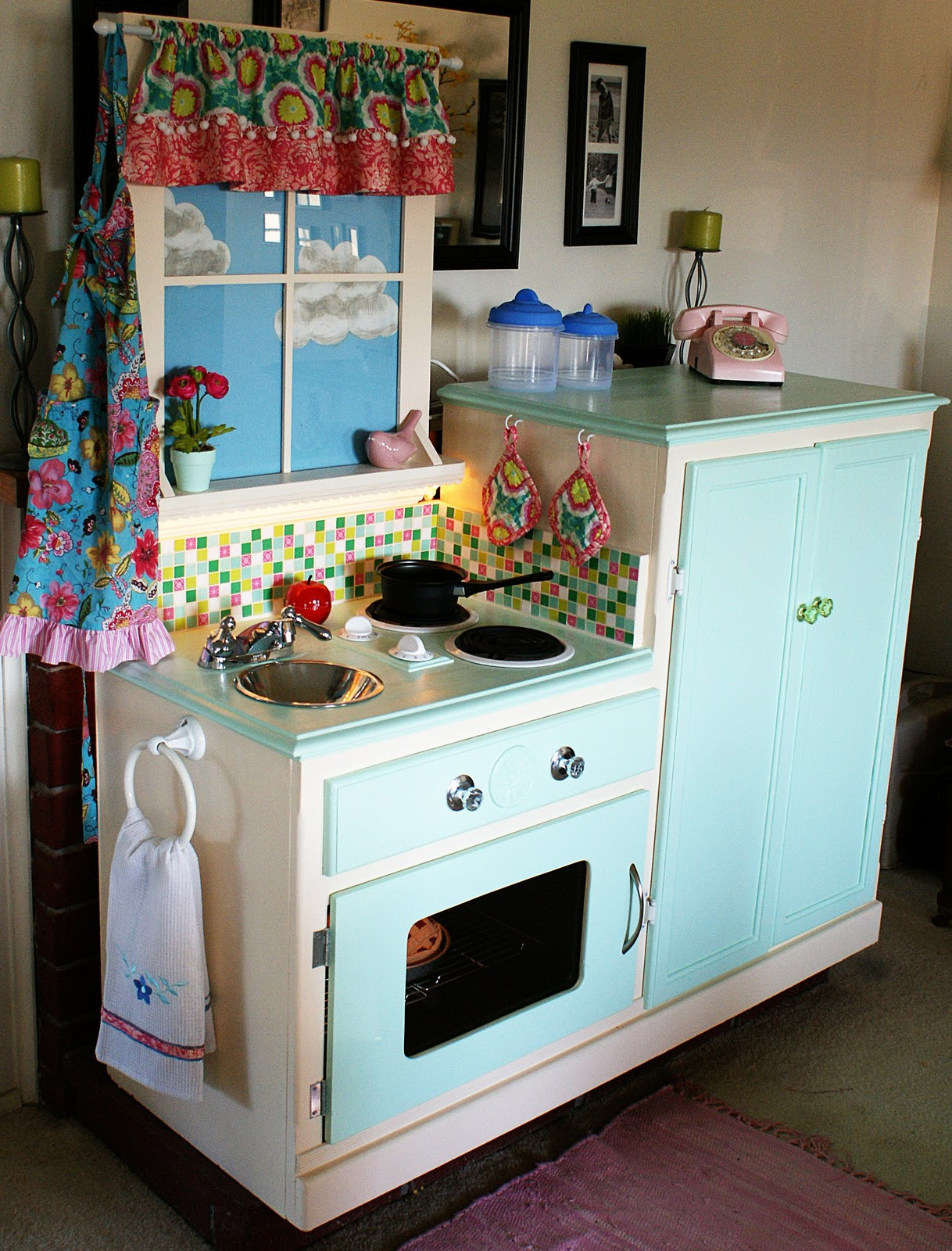 Best ideas about DIY Kids Kitchens . Save or Pin Easy Peasy Pie Play Kitchen Now.