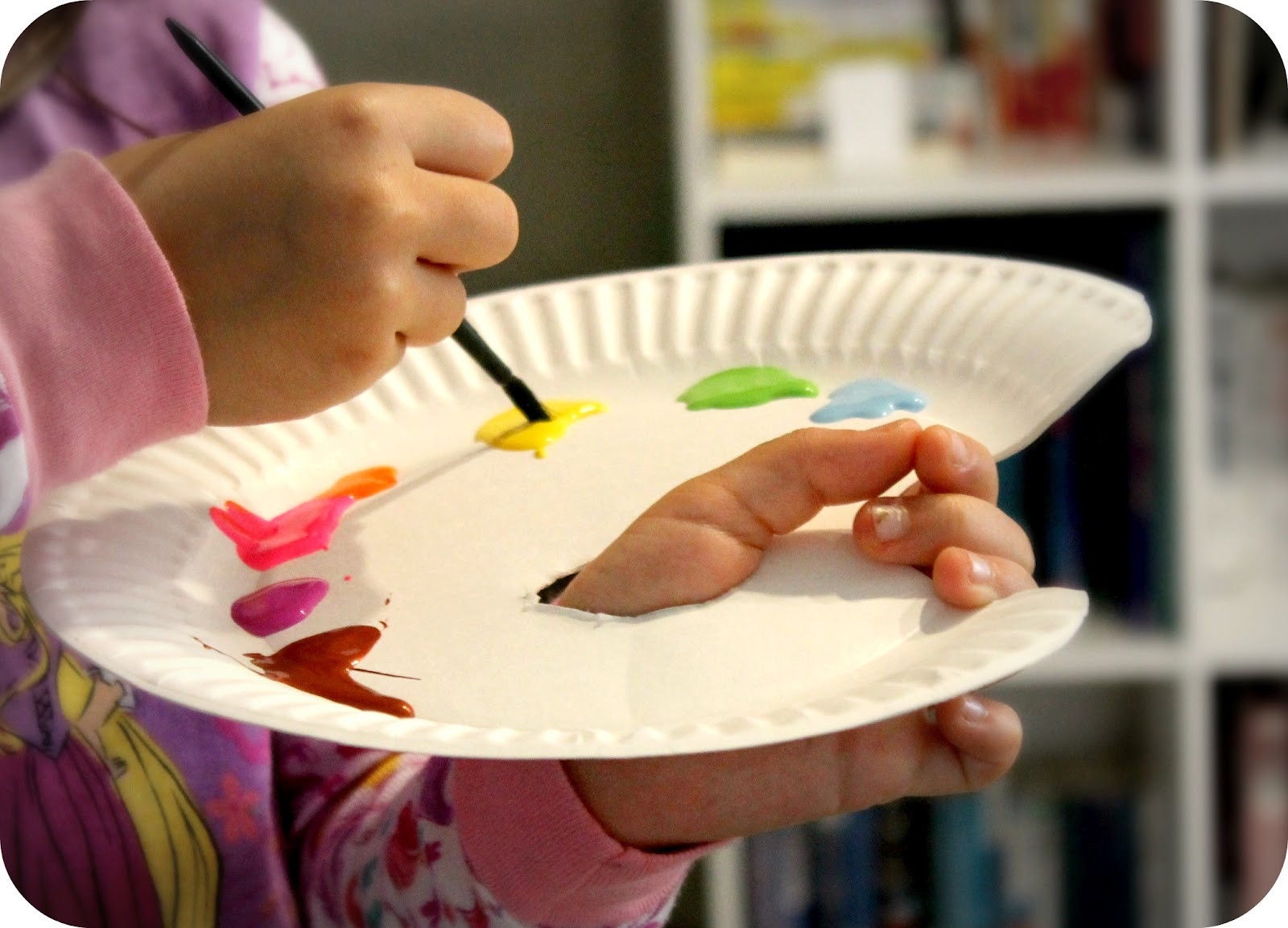 Best ideas about DIY Kids Paint . Save or Pin DiY Project Paper Plate Painter's Palette for Kids Now.