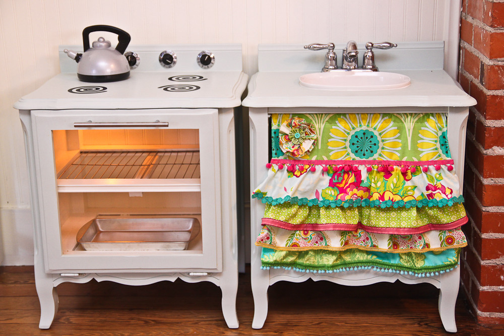 Best ideas about DIY Kids Play Kitchen . Save or Pin The Farmer s Nest How to make a play kitchen set out of a Now.