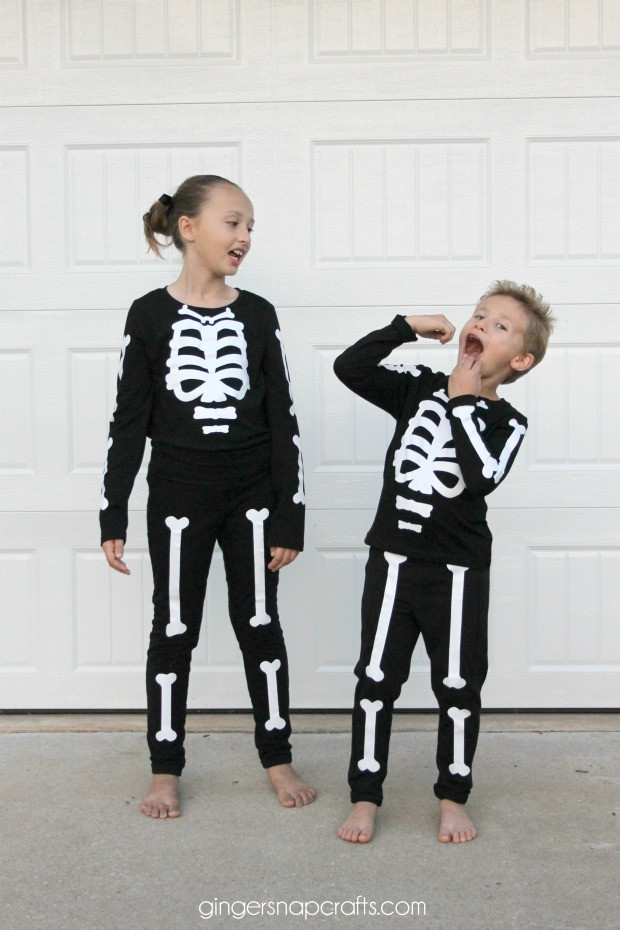 Best ideas about DIY Kids Skeleton Costume . Save or Pin Easy DIY Skeleton Costume I Dig Pinterest Now.