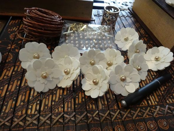 Best ideas about DIY Napkin Rings For Weddings . Save or Pin Paper Flower Napkin Rings Now.