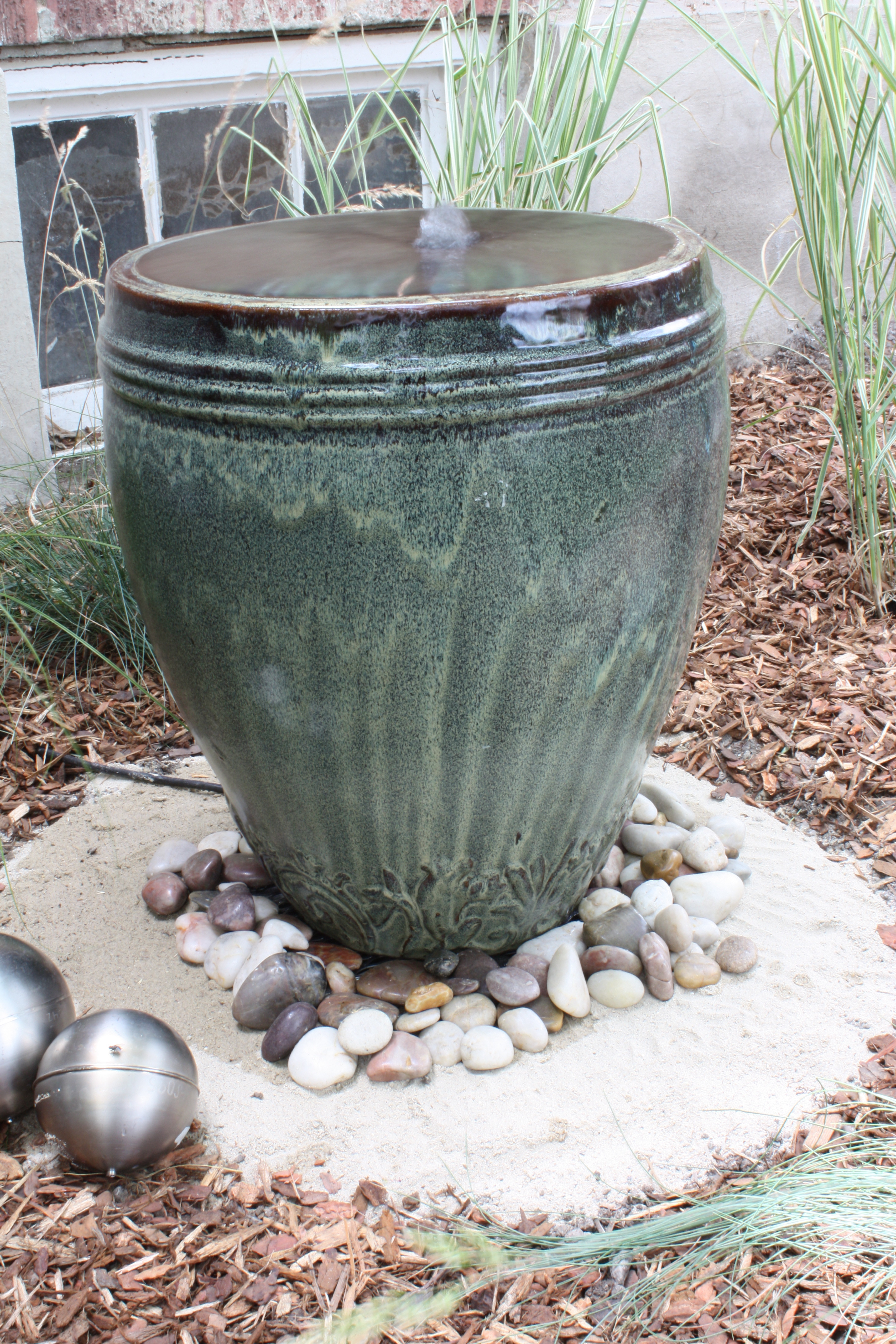 Best ideas about DIY Outdoor Water Fountains . Save or Pin DIY backyard fountain plete with tutorial Now.