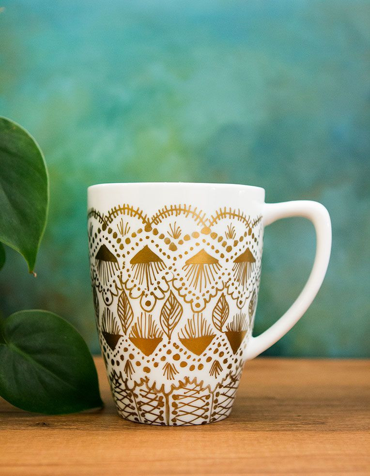 Best ideas about DIY Painted Mugs . Save or Pin DIY gold paint mug makeover Craft & DIY Now.