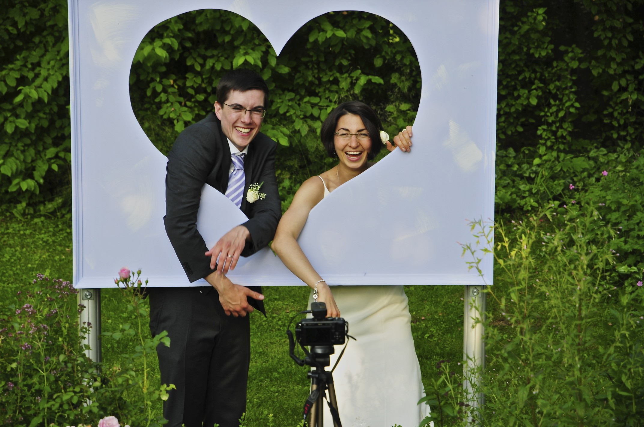 Best ideas about DIY Photo Booth Wedding . Save or Pin DIY iPad Wedding booth Now.