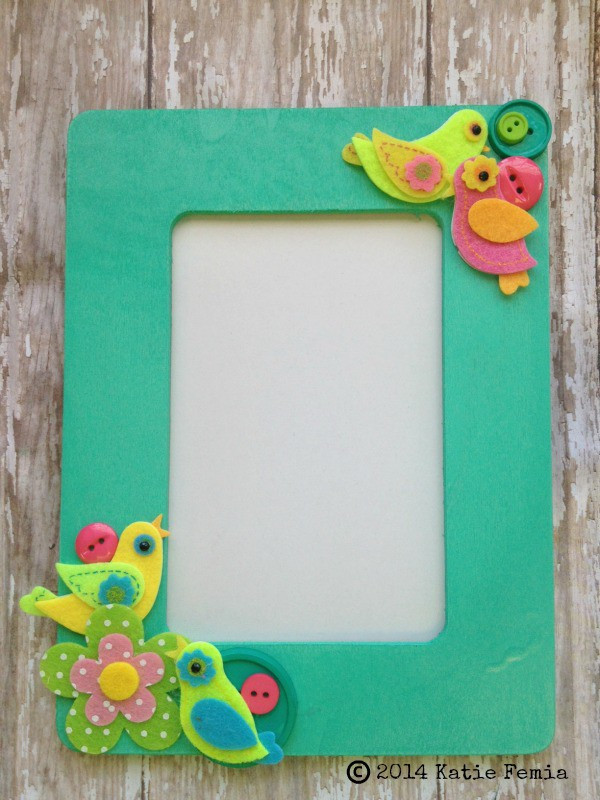 Best ideas about DIY Picture Frames For Kids . Save or Pin Simple Spring DIY Picture Frame Now.