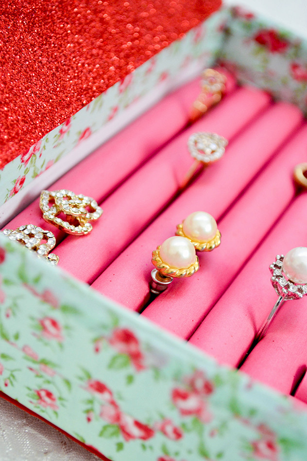 Best ideas about DIY Ring Box . Save or Pin Super Cute DIY Jewelry Box Now.