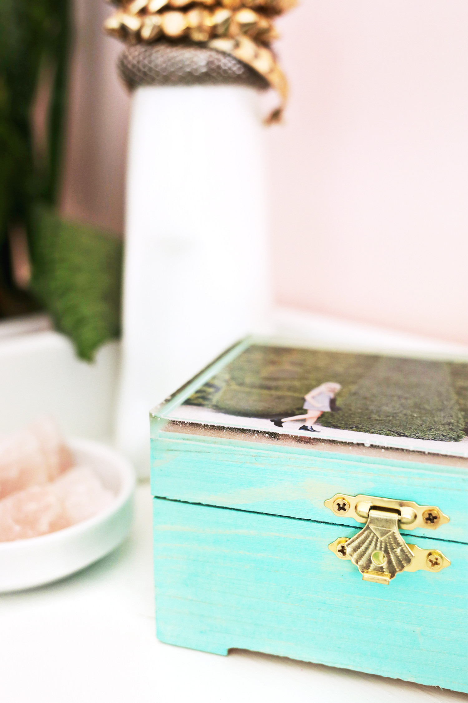 Best ideas about DIY Ring Box . Save or Pin Epoxy Jewelry Box DIY A Beautiful Mess Now.