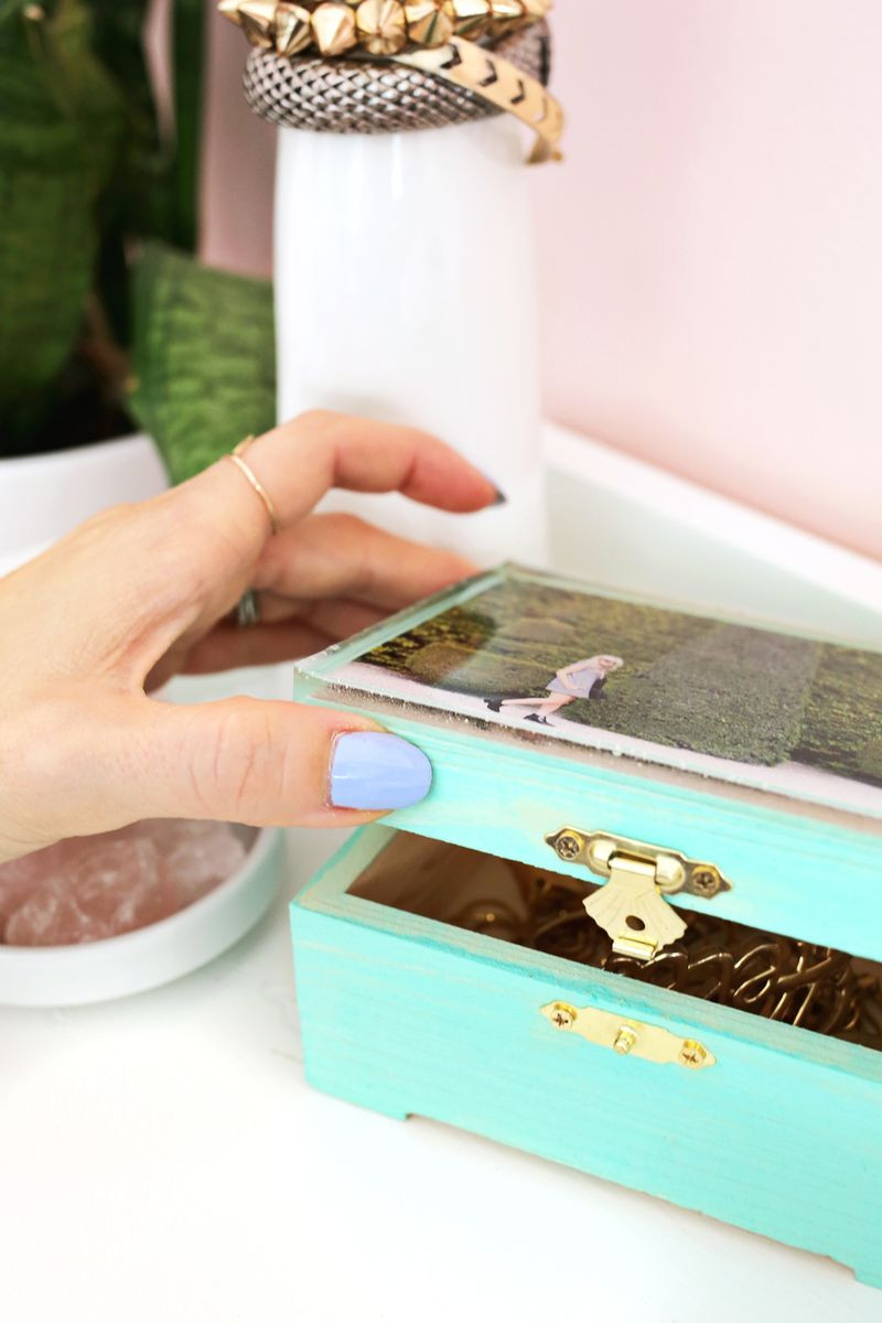 Best ideas about DIY Ring Box . Save or Pin Epoxy Jewelry Box DIY – A Beautiful Mess Now.