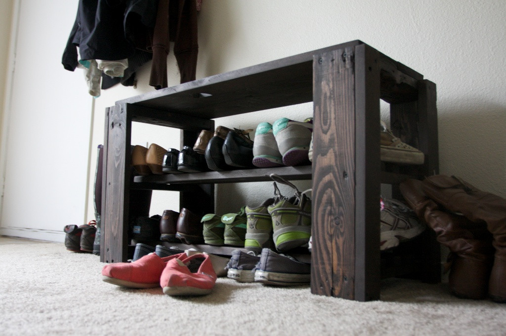 Best ideas about DIY Shoe Rack . Save or Pin DIY Pallet Shoe Rack Bench Now.