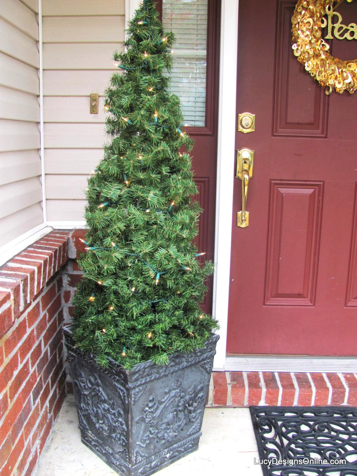 Best ideas about DIY Tomato Cage Christmas Tree . Save or Pin DIY Tomato Cage and Garland Topiary Christmas Trees Now.