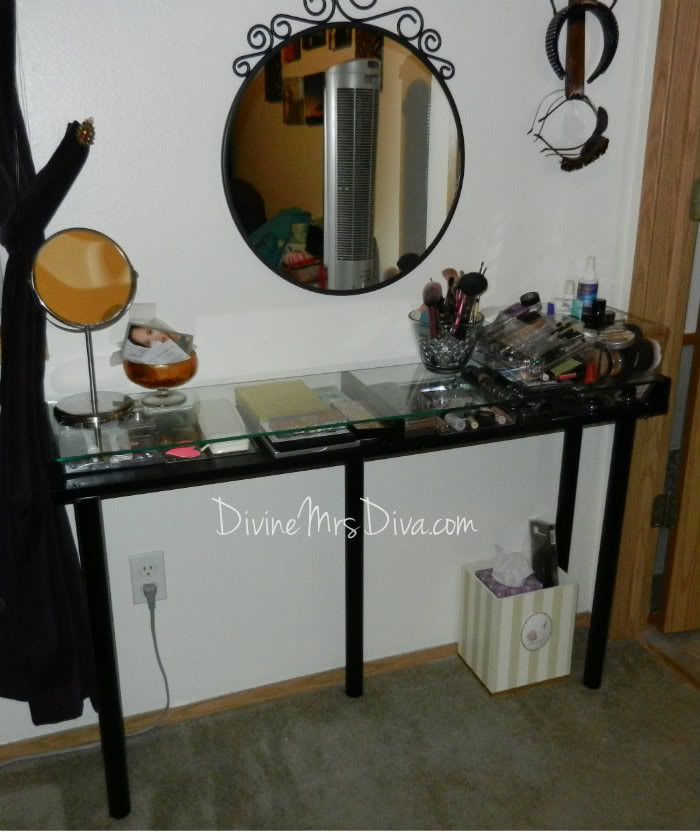 Best ideas about DIY Vanity Table Plans . Save or Pin 20 Beautiful DIY Makeup Vanity – Diys To Do Now.