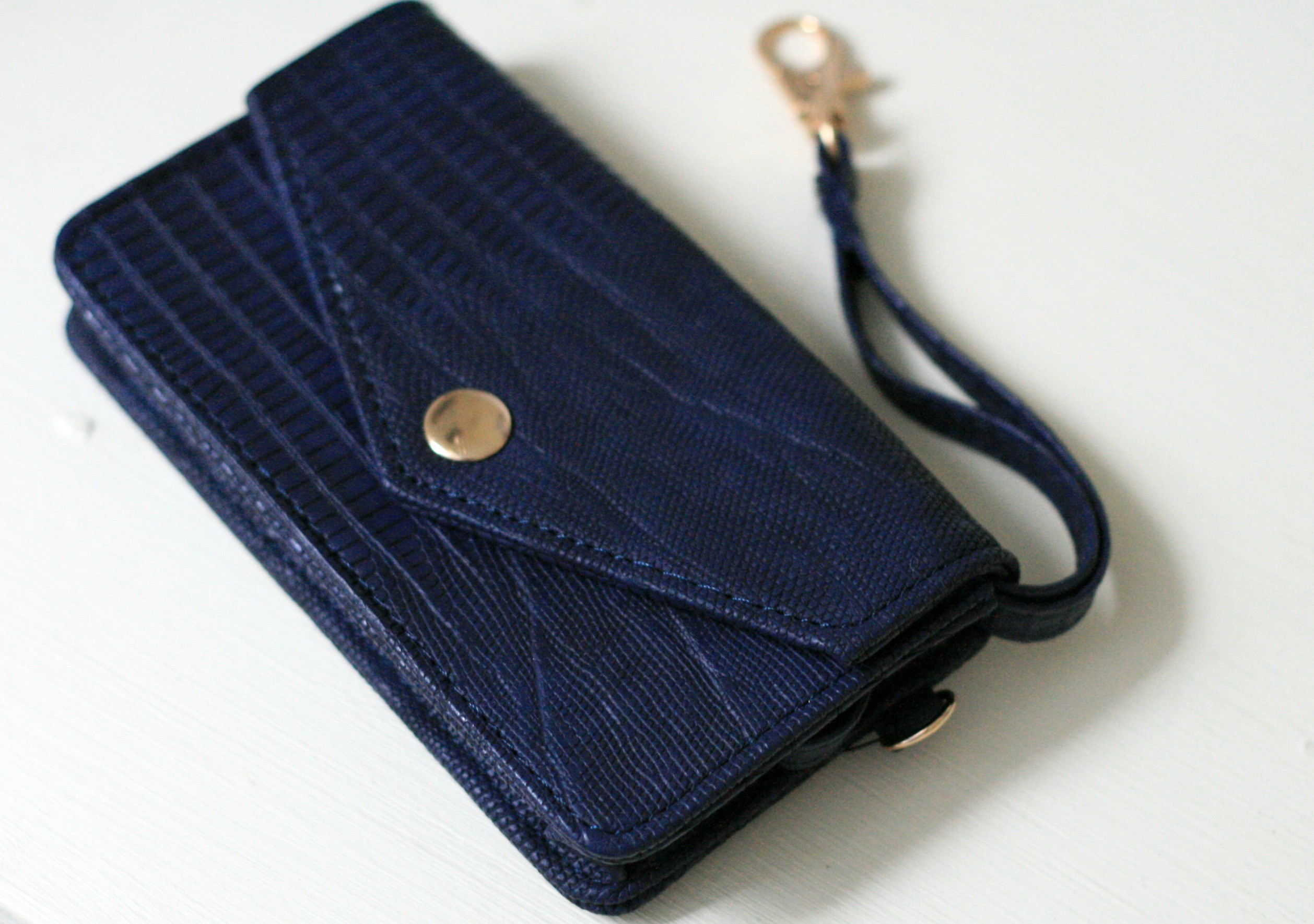 Best ideas about DIY Wallet Phone Case . Save or Pin Custom DIY Phone Case Now.