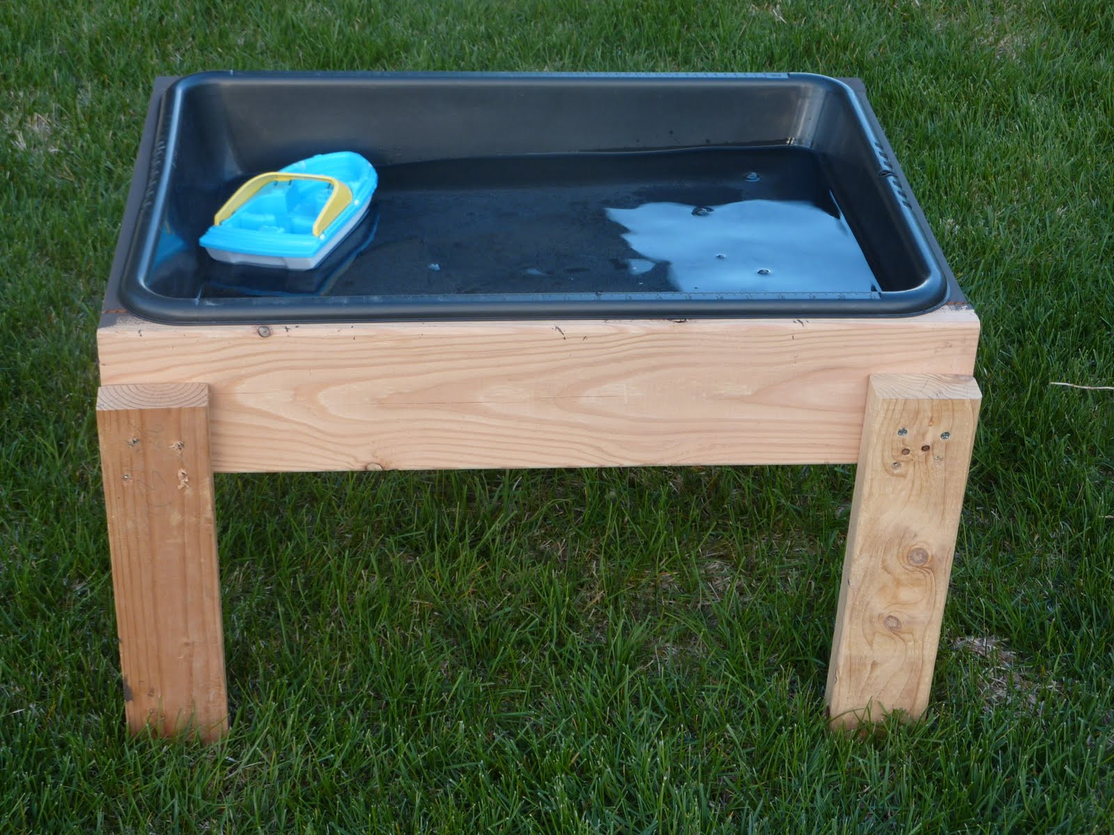Best ideas about DIY Water Table For Kids . Save or Pin The Inspiration Thief DIY Water Table Now.