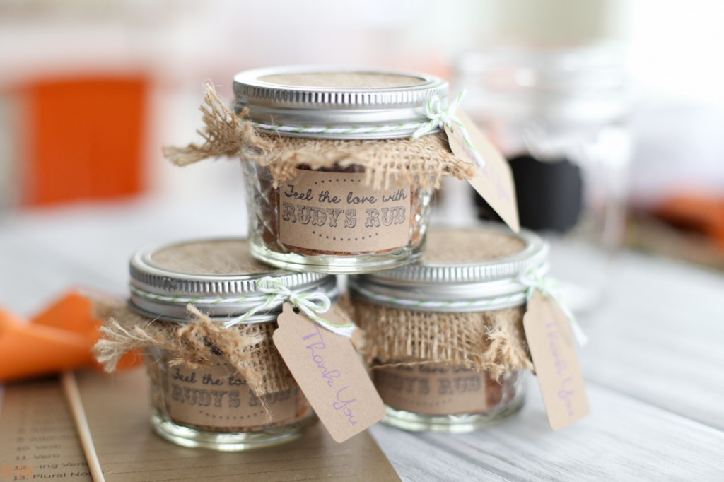Best ideas about DIY Wedding Favors . Save or Pin Cool DIY Wedding Favors Now.