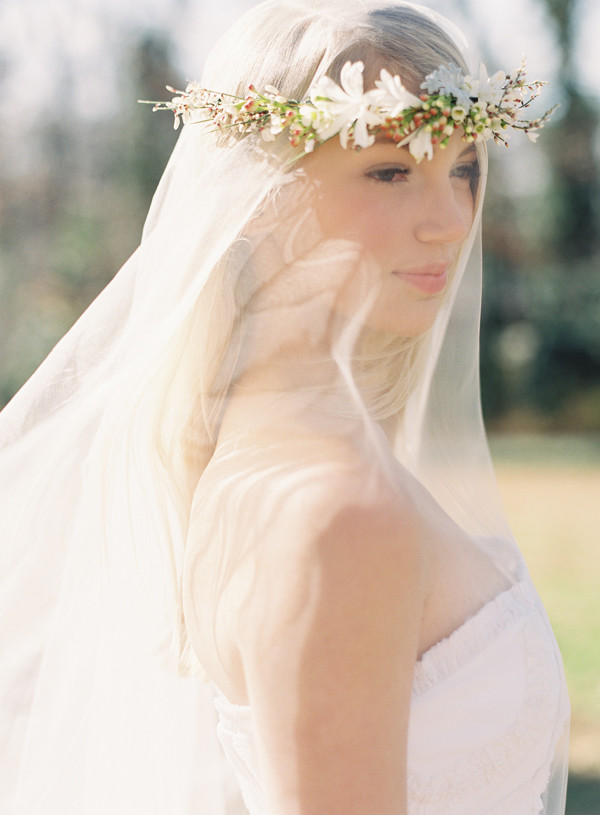 Best ideas about DIY Wedding Veil . Save or Pin DIY Wedding Flower Crown Over a Drop Veil ce Wed Now.