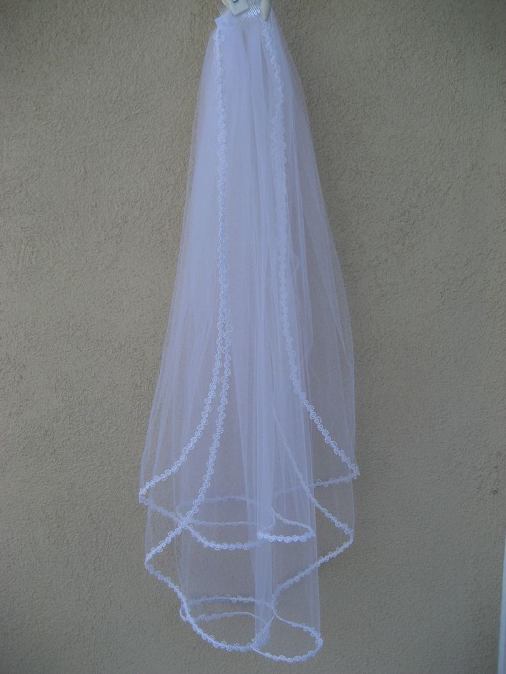 Best ideas about DIY Wedding Veil . Save or Pin 35 best How to Make a Veil images on Pinterest Now.