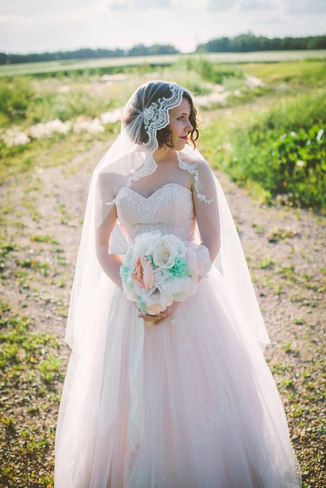 Best ideas about DIY Wedding Veil . Save or Pin How to Make a Juliet Cap Wedding Veil Now.