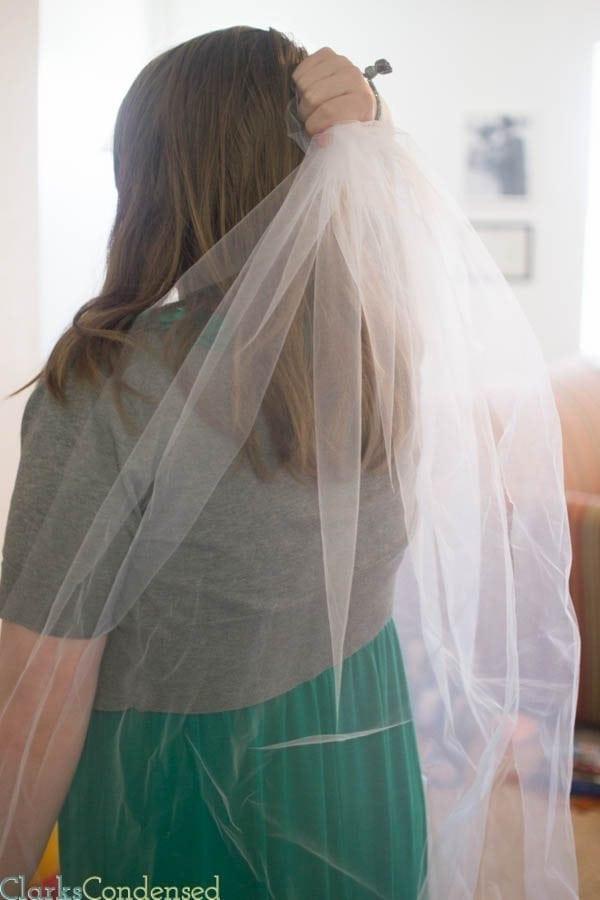 Best ideas about DIY Wedding Veil . Save or Pin Simple DIY Wedding Veil Now.
