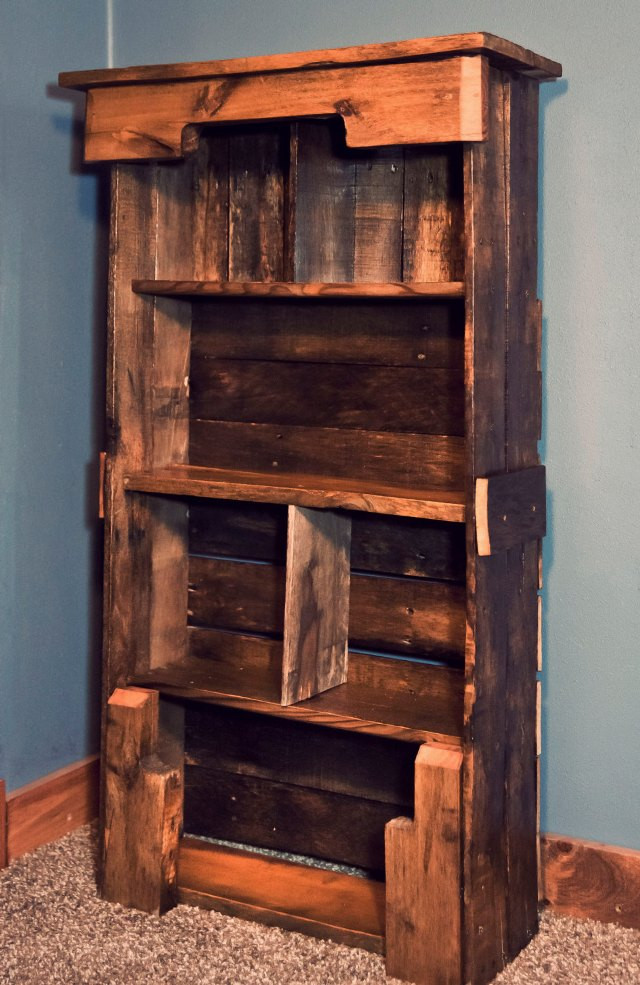Best ideas about DIY Wood Bookshelves . Save or Pin Wooden Pallet Bookshelf DIY Now.