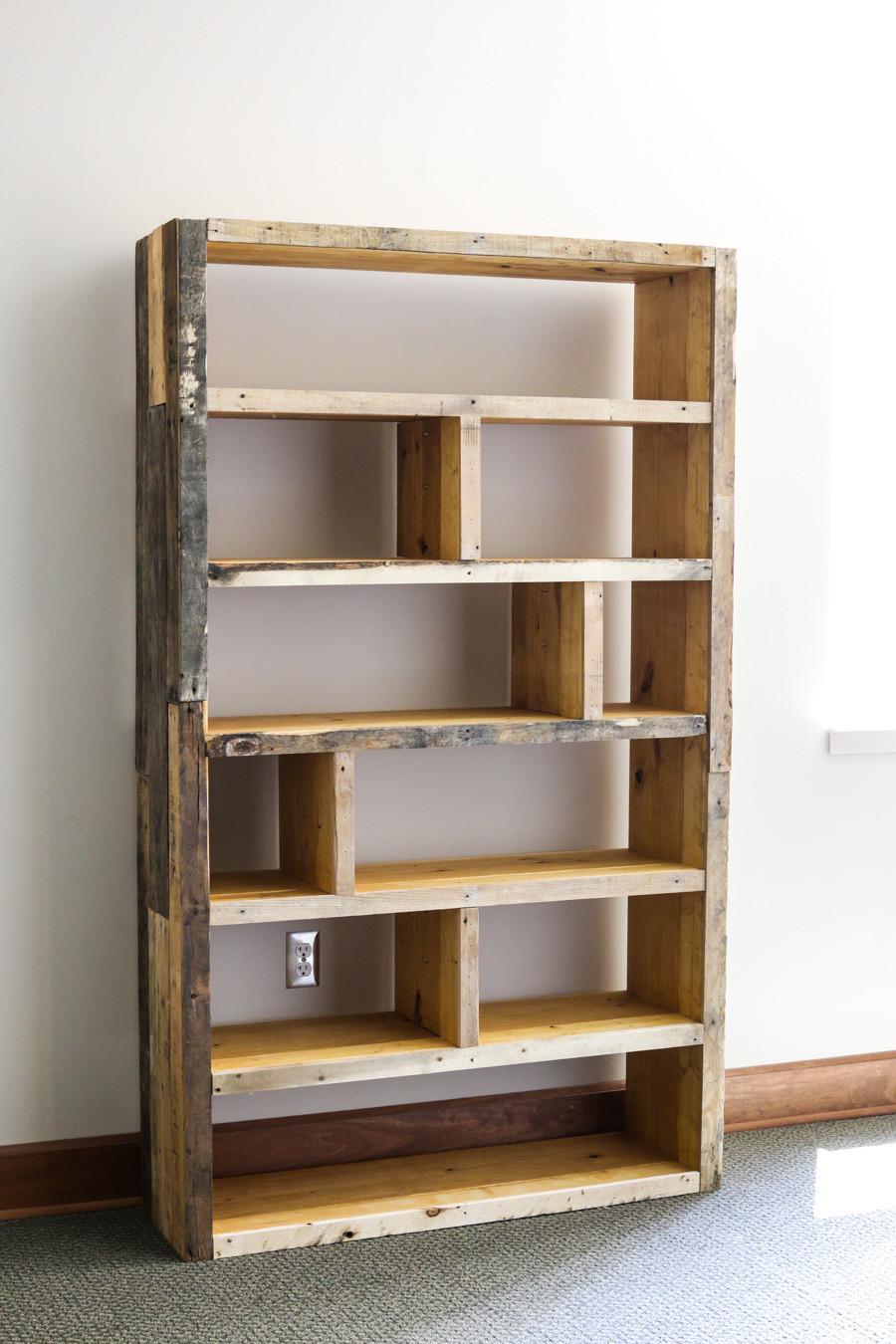 Best ideas about DIY Wood Bookshelves . Save or Pin DIY Rustic Pallet Bookshelf Now.