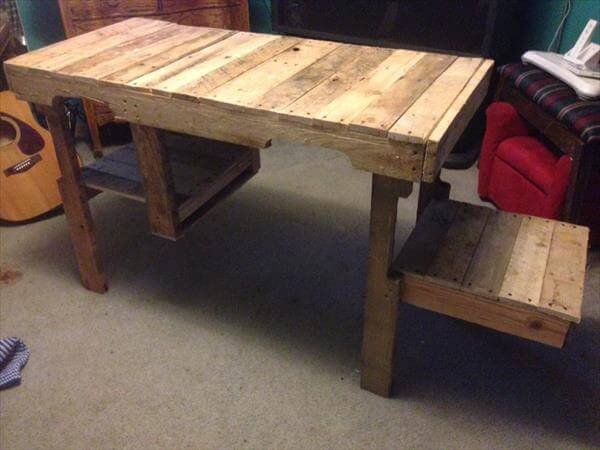 Best ideas about DIY Wood Desk . Save or Pin DIY Wood Pallet Desk and Storage Cubby Now.