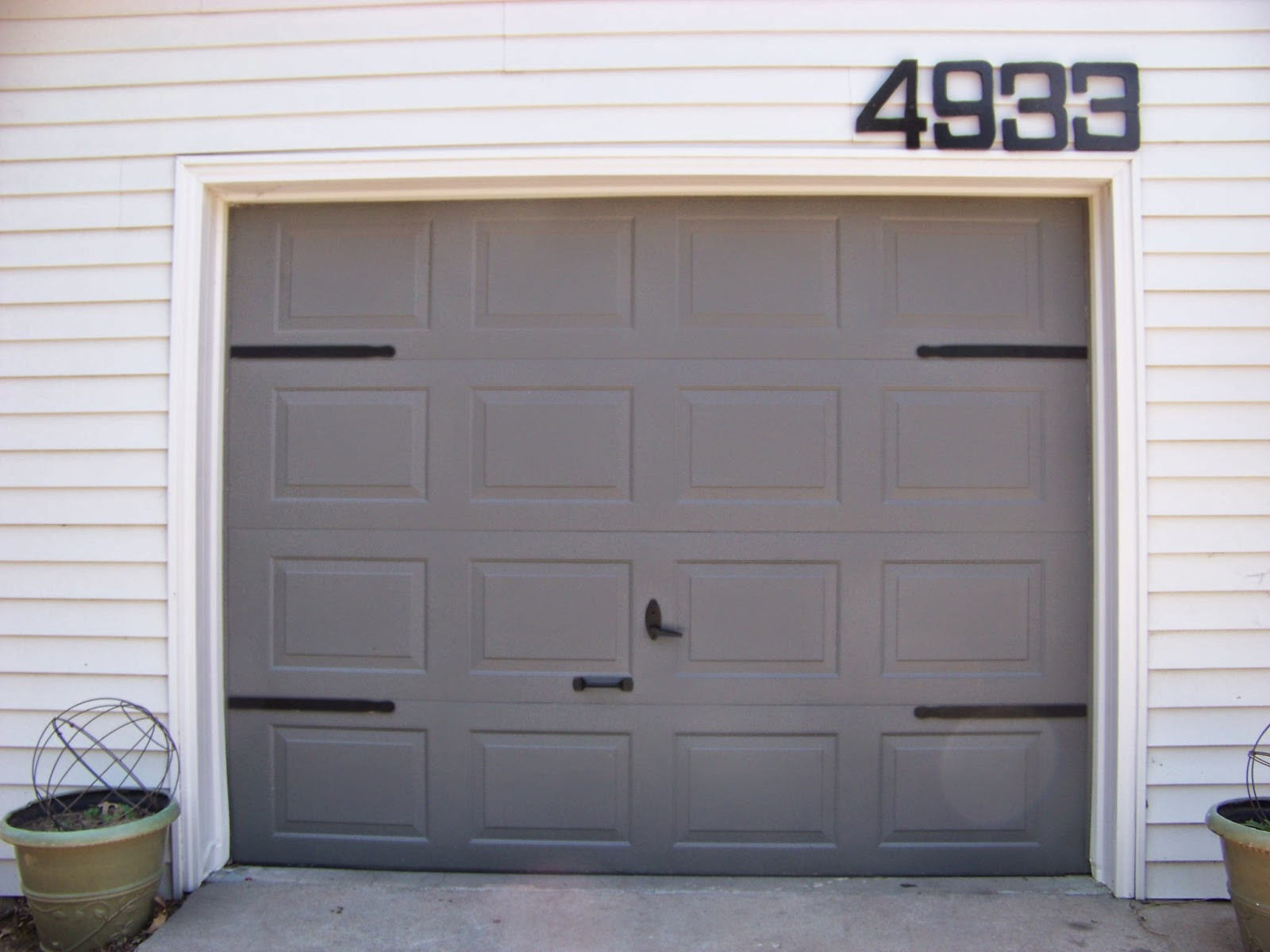 Best ideas about DIY Wood Garage Doors . Save or Pin Remodelaholic Now.
