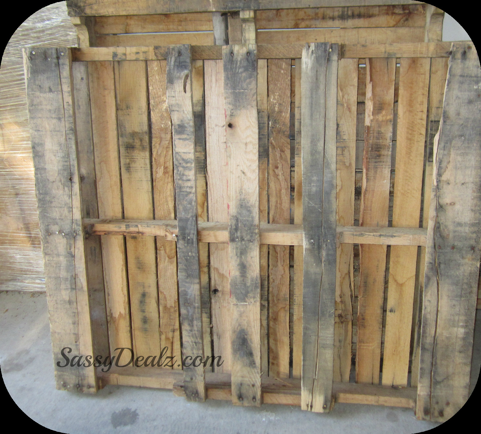 Best ideas about DIY Wood Pallets . Save or Pin DIY How To Make A Wine or Magazine Rack Out of a Wood Now.