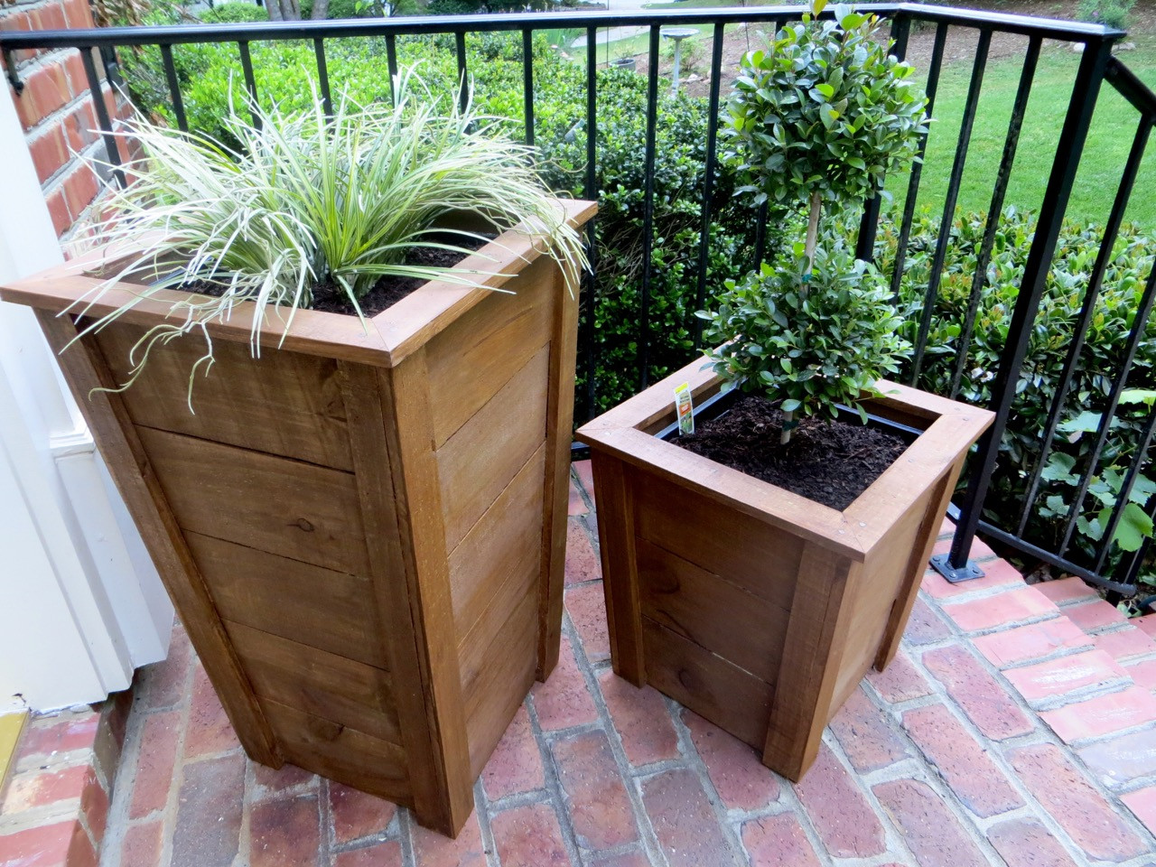 Best ideas about DIY Wood Planter . Save or Pin The Project Lady DIY Tutorial Decorative Wood Planter Boxes Now.