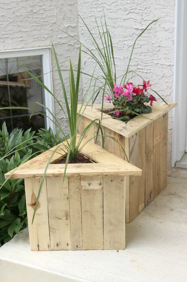 Best ideas about DIY Wood Planter . Save or Pin 32 Best DIY Pallet and Wood Planter Box Ideas and Designs Now.