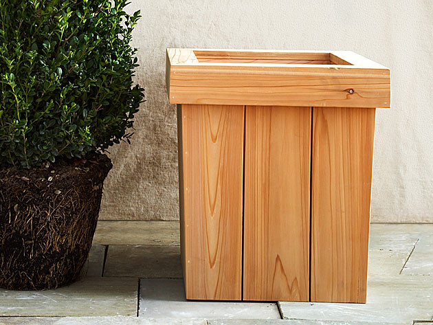 Best ideas about DIY Wood Planter . Save or Pin How to DIY a Planter Box How to Build a Wooden Garden Now.