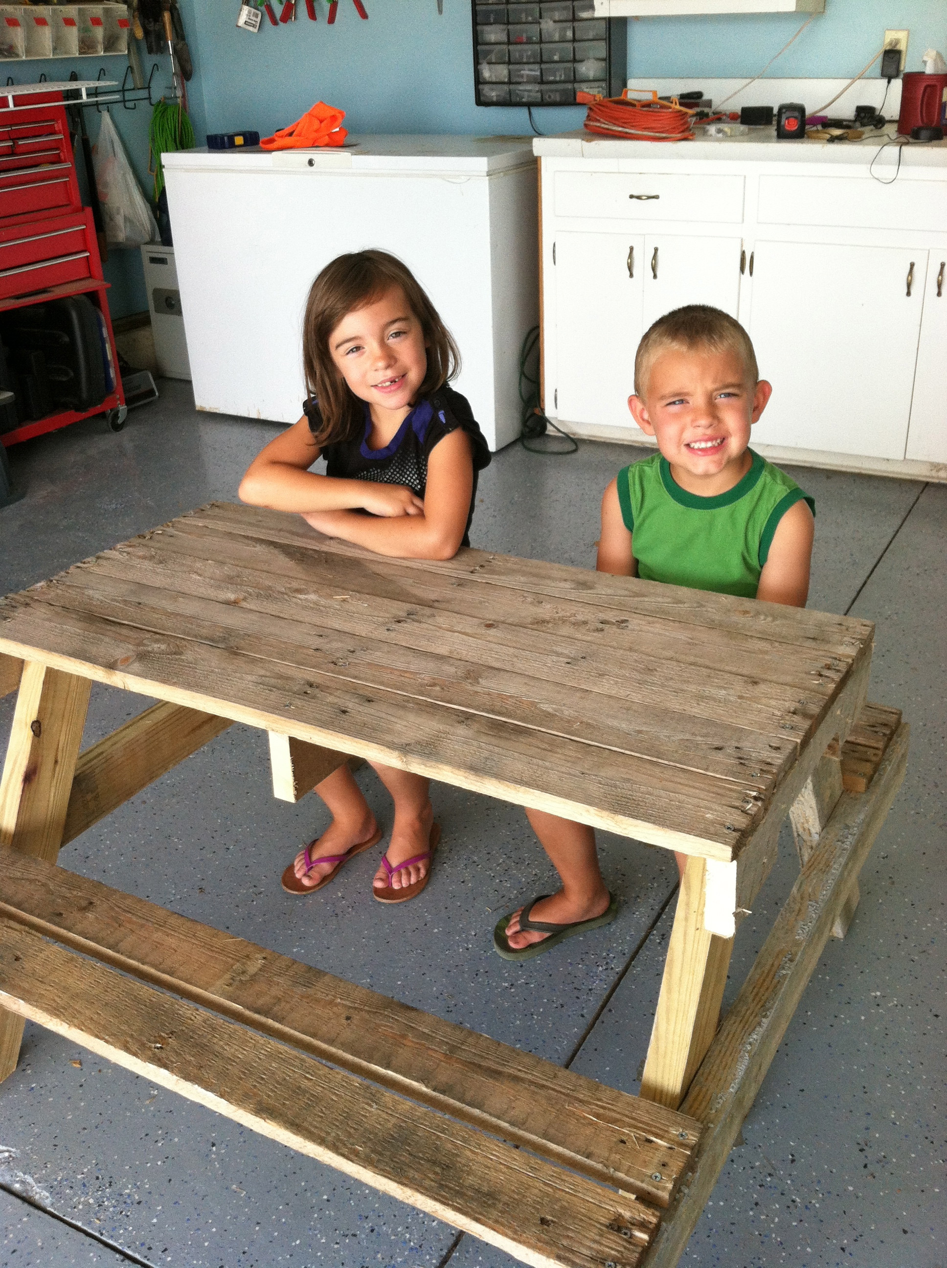 Best ideas about DIY Wood Projects For Kids . Save or Pin DIY Kids Picnic Table from Pallet Wood Now.