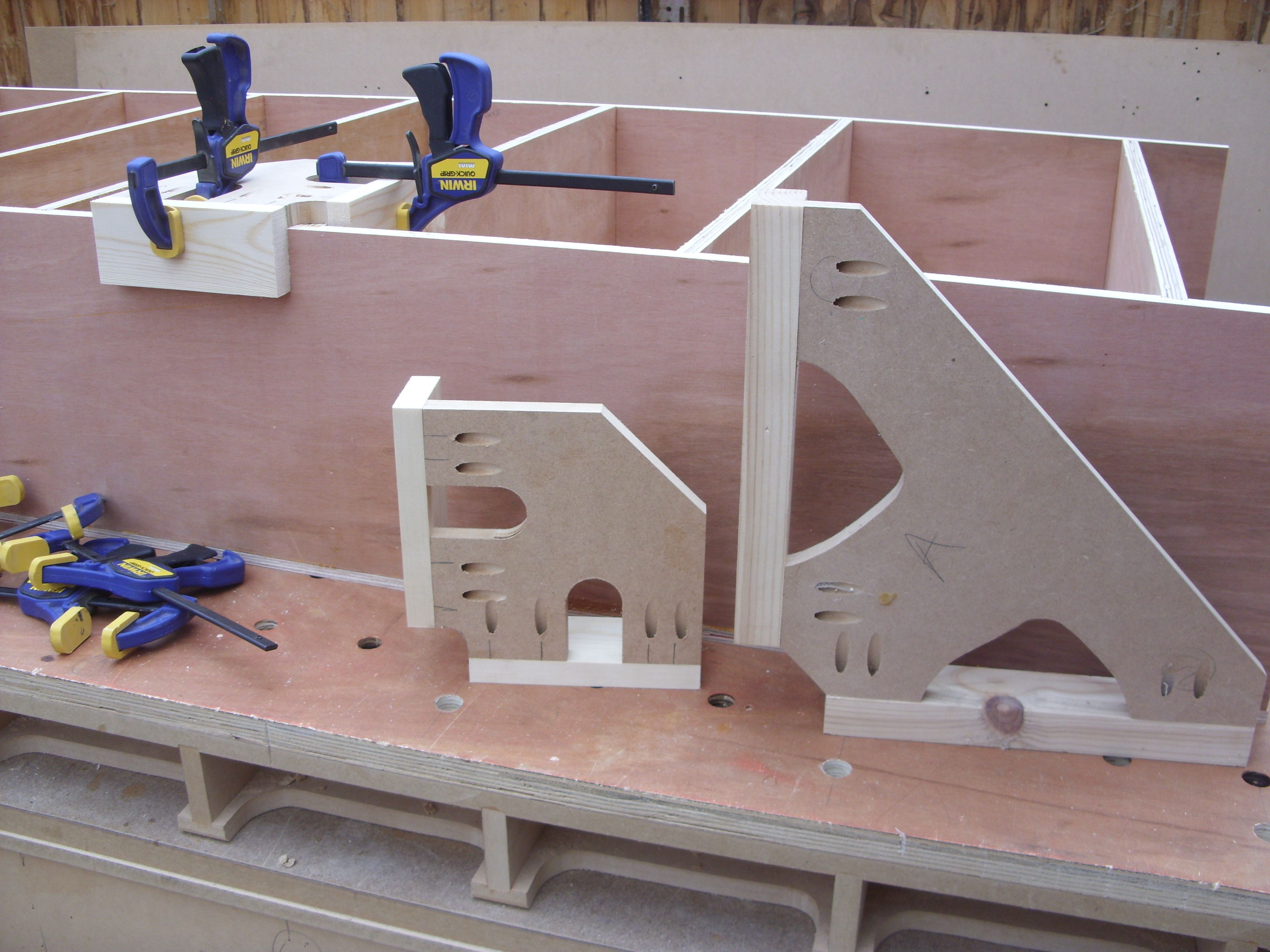 Best ideas about DIY Woodworking Clamps . Save or Pin DIY Corner Clamps Workshop Clamping Now.